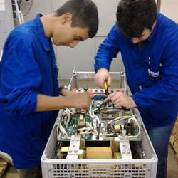 Assistência especializada em servomotores